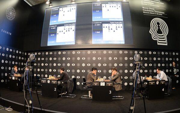 Шахматисты во время турнира претендентов на титул чемпиона мира
