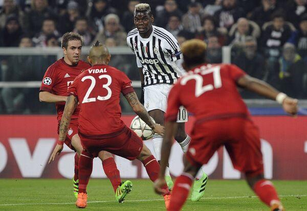 Игровой момент матча 1/8 финала Лиги чемпионов Ювентус - Бавария