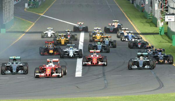 Старт Гран-при Австралии-2016