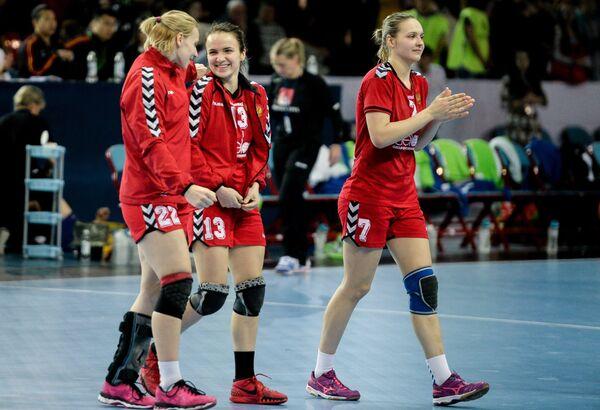 Екатерина Маренникова, Анна Вяхирева, Дарья Дмитриева (слева направо)