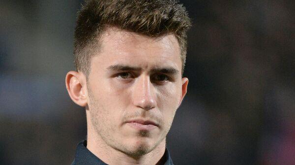 Защитник футбольного клуба Атлетик и молодежной сборной Франции Эмерик Лапорт