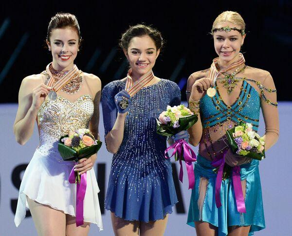 Эшли Вагнер, Евгения Медведева и Анна Погорилая (слева направо)