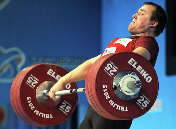 Латвийский тяжелоатлет Артурс Плесниекс