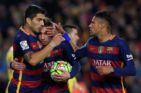 Футболисты Басрелоны Луис Суарес, Лионель Месси и Неймар (слева направо)