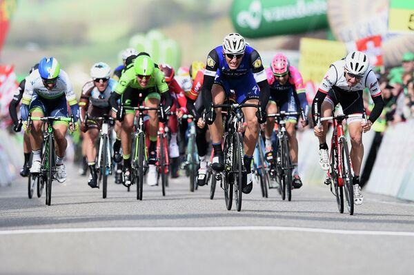 Велогонщики на дистанции Джиро д'Италия