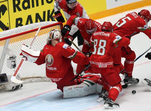 Игровой момент матча группового этапа чемпионата мира по хоккею Белоруссия - Канада
