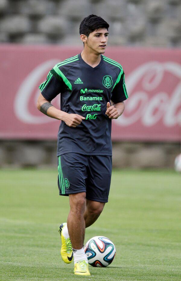 Нападающий сборной Мексики по футболу и греческого Олимпиакоса Алан Пулидо