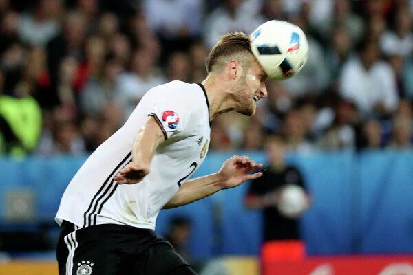 Защитник сборной Германии Шкодран Мустафи