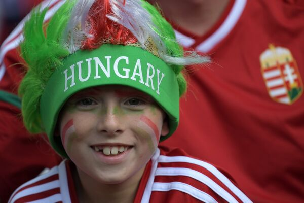 Венгерский болельщик перед началом матча