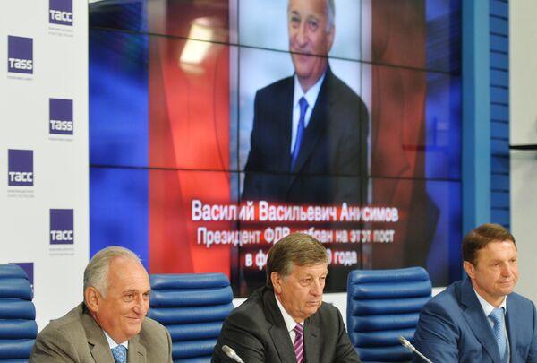 Василий Анисимов, Игорь Казиков и Игорь Сидоркевич (слева направо)