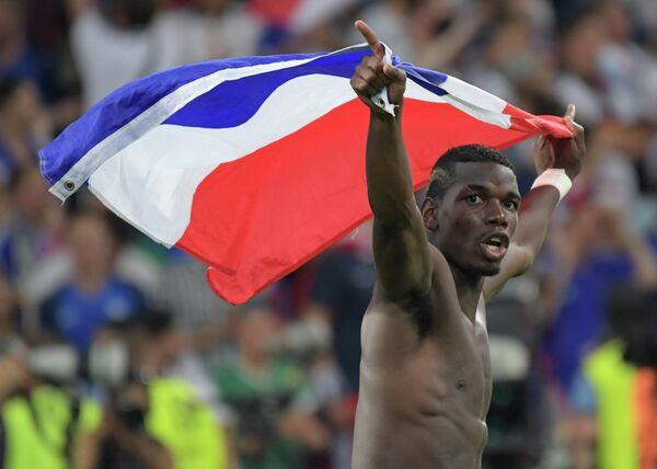 Полузащитник сборной Франции Поль Погба