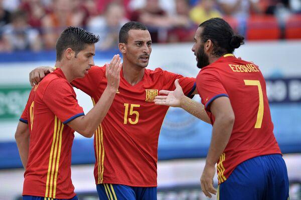 Игроки сборной Испании по пляжному футболу